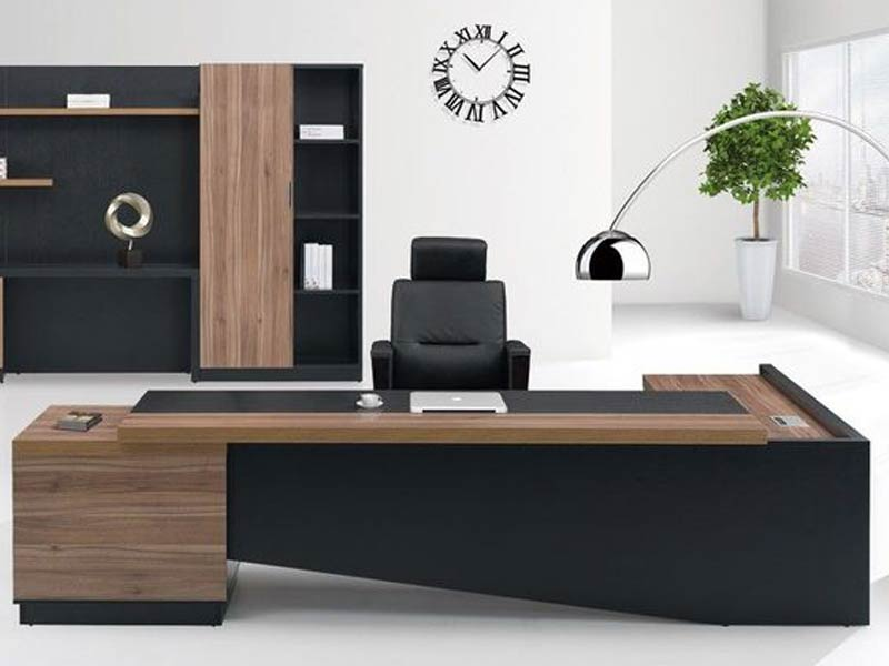 Executive Table Manufacturer in Ghaziabad